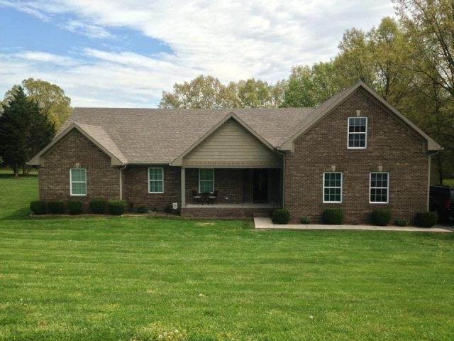 876 Gary Ln, Hopkinsville, KY 42240 (MLS #RTC2179053) :: DeSelms Real Estate