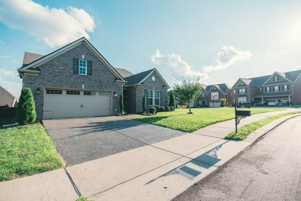 5231 Giardino Dr, Mount Juliet, TN 37122 (MLS #RTC2179689) :: Nashville on the Move