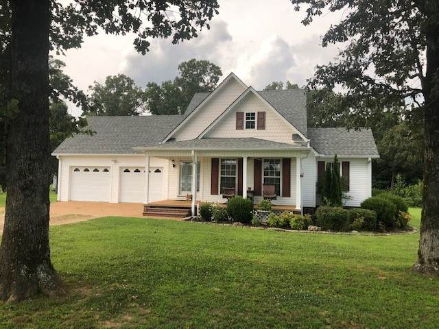 745 One Stop Dr Dr, Savannah, TN 38372 (MLS #RTC2181268) :: Stormberg Real Estate Group