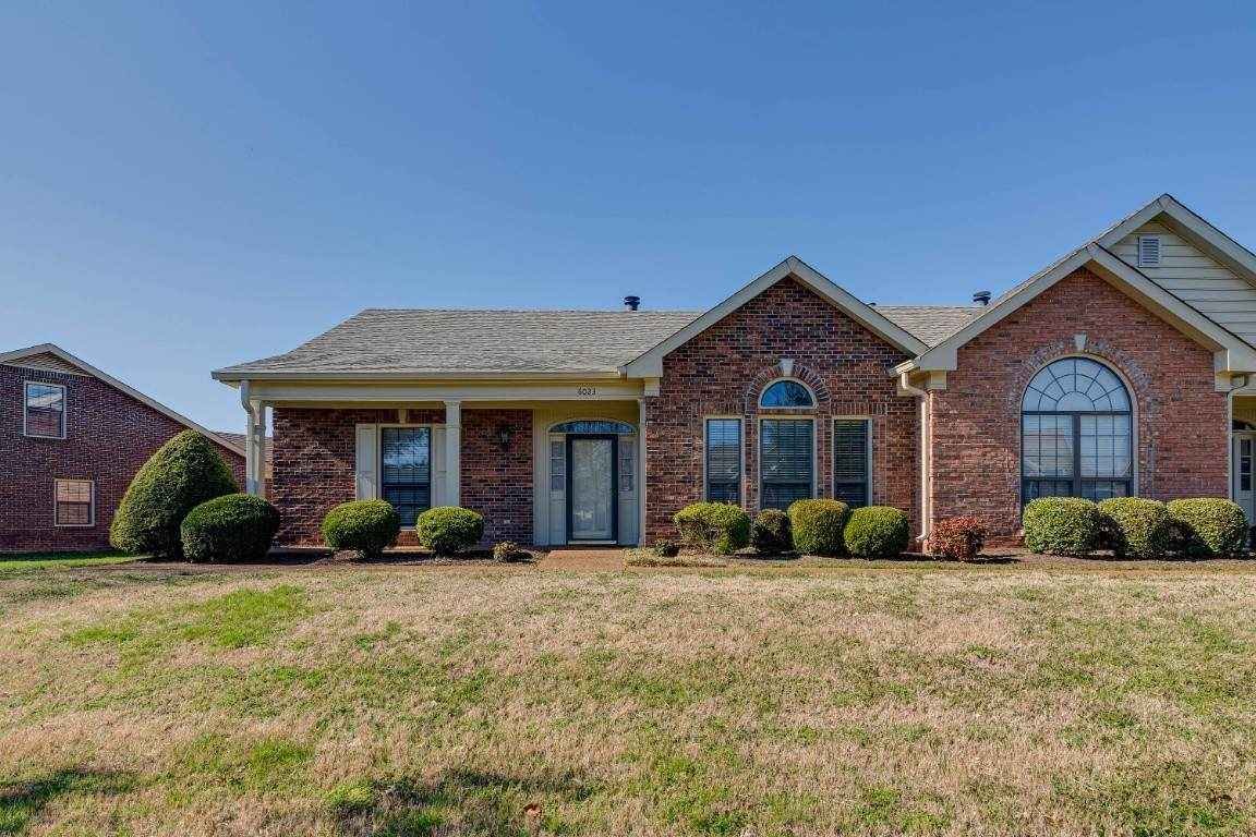 6023 Sunrise Cir - Photo 1