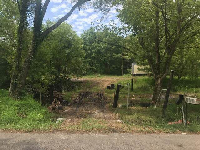 1314 Wolf Hill Rd - Photo 1