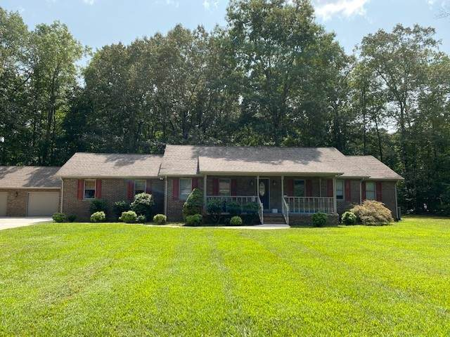 420 Royal Oak Dr, Winchester, TN 37398 (MLS #RTC2188007) :: CityLiving Group