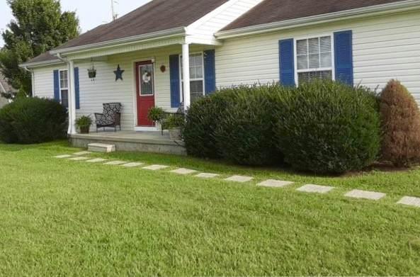283 Kristen Dr, Lafayette, TN 37083 (MLS #RTC2189638) :: John Jones Real Estate LLC