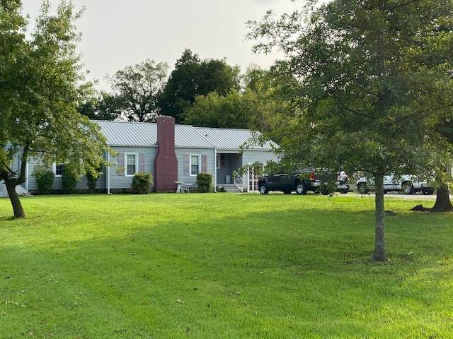 302 Hickory Dr, Shelbyville, TN 37160 (MLS #RTC2190459) :: Maples Realty and Auction Co.
