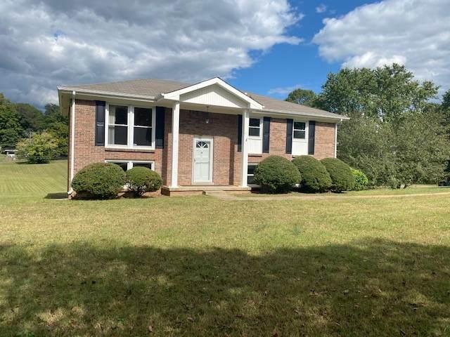 101 Virginia Dr, Clarksville, TN 37040 (MLS #RTC2193701) :: DeSelms Real Estate
