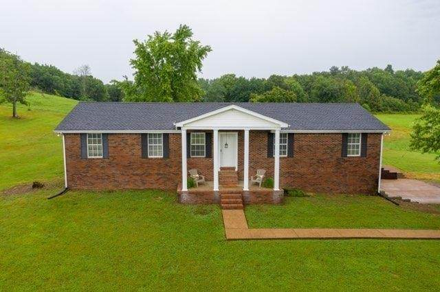 420 Henry Harris Rd, Westmoreland, TN 37186 (MLS #RTC2195074) :: Nashville on the Move