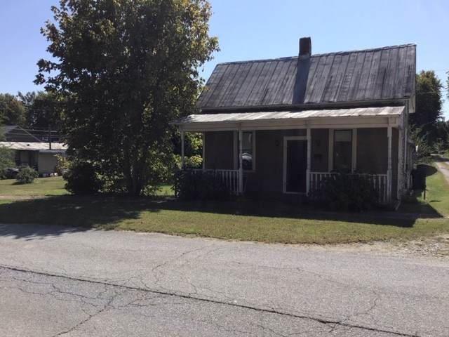 18 E 2nd Ave E, Hohenwald, TN 38462 (MLS #RTC2196324) :: Nashville Home Guru