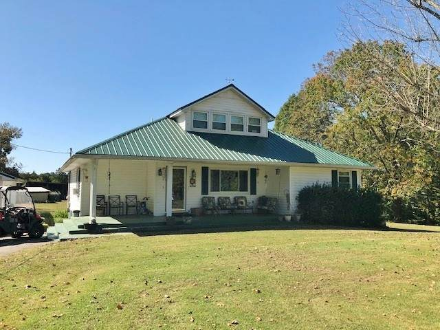 1458 Bone Cave Rd, Rock Island, TN 38581 (MLS #RTC2198247) :: Five Doors Network