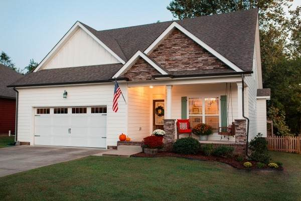 2213 Fairfax Dr, Clarksville, TN 37043 (MLS #RTC2198916) :: Morrell Property Collective | Compass RE