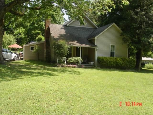 974 Weakley Creek Rd, Lawrenceburg, TN 38464 (MLS #RTC2199072) :: Cory Real Estate Services