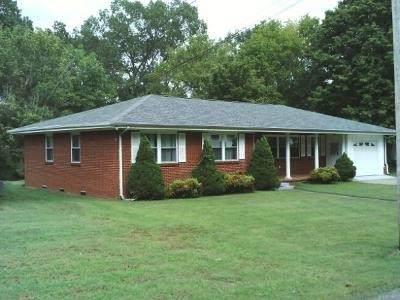 219 Lee Cir, Dover, TN 37058 (MLS #RTC2200743) :: Adcock & Co. Real Estate