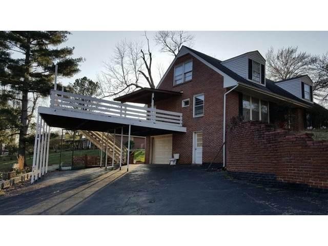 745 Everett Dr, Clarksville, TN 37040 (MLS #RTC2200964) :: Village Real Estate