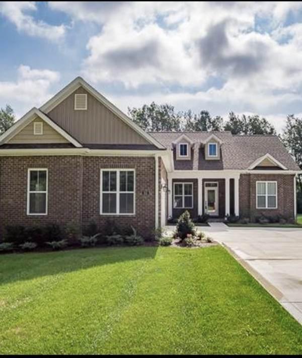831 Breeding Ave, Cookeville, TN 38501 (MLS #RTC2201680) :: Village Real Estate