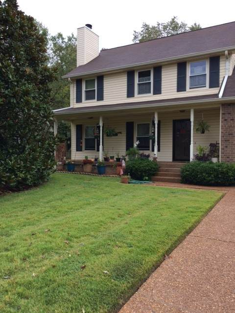 409 Sugartree Ln, Franklin, TN 37064 (MLS #RTC2201953) :: DeSelms Real Estate