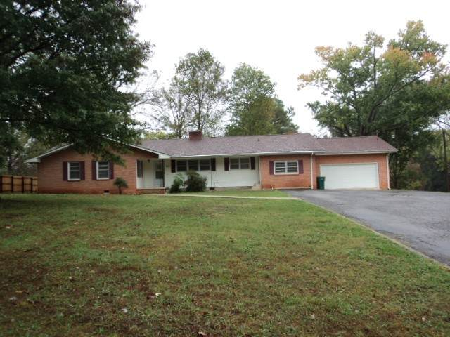 803 S Jefferson St, Winchester, TN 37398 (MLS #RTC2202323) :: Cory Real Estate Services