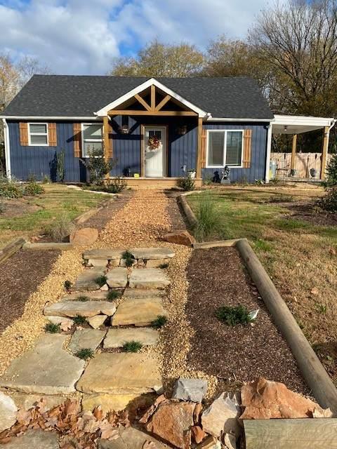 1107 Daniel St, Clarksville, TN 37040 (MLS #RTC2205759) :: Felts Partners