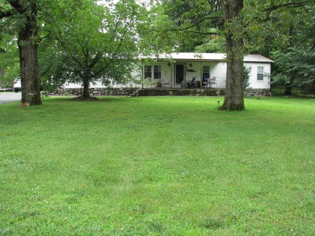 626 Pond Rd, Dickson, TN 37055 (MLS #RTC2211154) :: Nashville on the Move