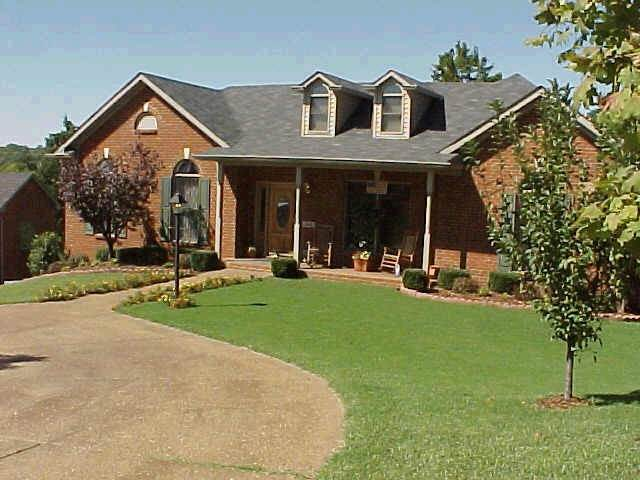 364 Solitude Cir, Goodlettsville, TN 37072 (MLS #RTC2213064) :: Village Real Estate