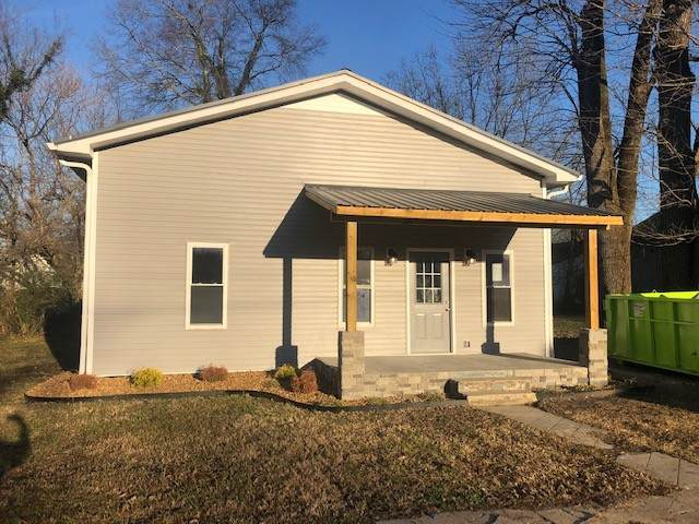 213 E Moore St, Tullahoma, TN 37388 (MLS #RTC2213091) :: Trevor W. Mitchell Real Estate