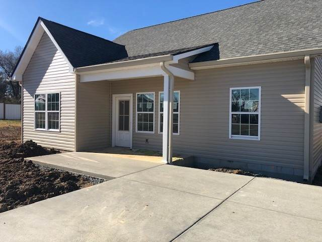 204 Miller St, Dickson, TN 37055 (MLS #RTC2217330) :: Village Real Estate