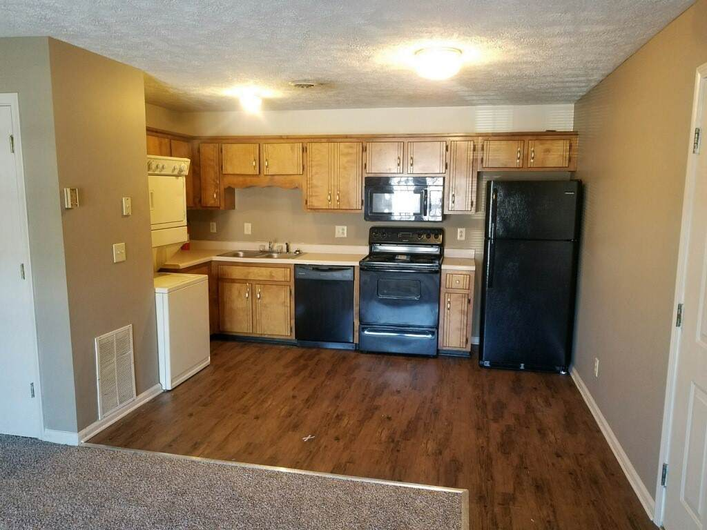 3244 Tower Dr. - Photo 1