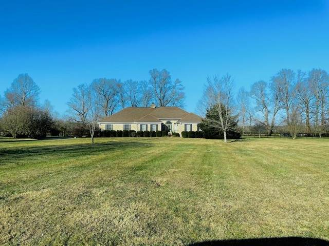 104 Old Hickory Drive, Tullahoma, TN 37388 (MLS #RTC2222635) :: The Huffaker Group of Keller Williams