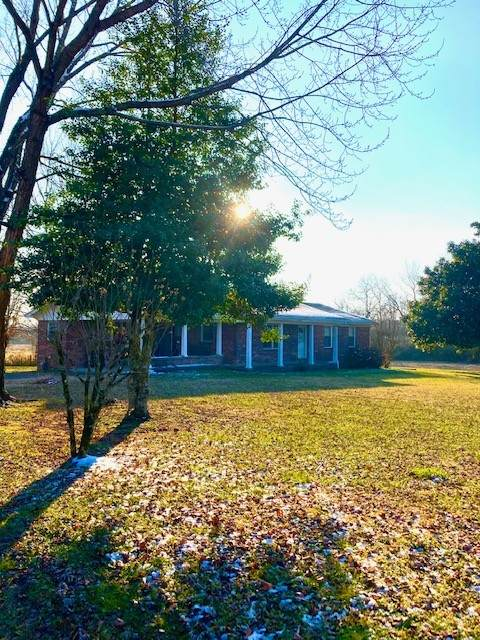 175 Prospect Rd E, Fayetteville, TN 37334 (MLS #RTC2223085) :: Village Real Estate