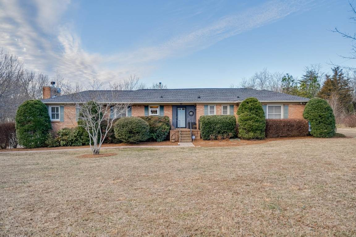 2558 Old Clarksville Pike - Photo 1