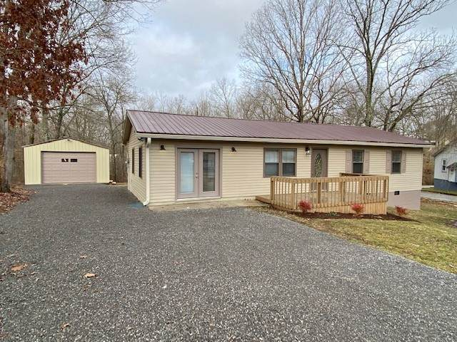 240 Birchwood Dr, Crossville, TN 38555 (MLS #RTC2225201) :: Team Wilson Real Estate Partners