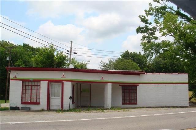 2300 Fayetteville Hwy, Belfast, TN 37019 (MLS #RTC2232401) :: Village Real Estate