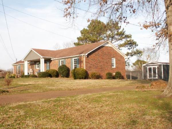 6002 Hays Dr, Columbia, TN 38401 (MLS #RTC2237296) :: Real Estate Works
