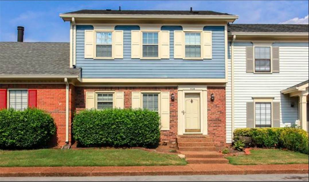 834 Brentwood Pt - Photo 1