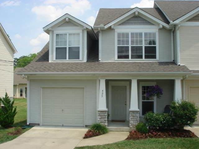 425 Normandy Cir - Photo 1