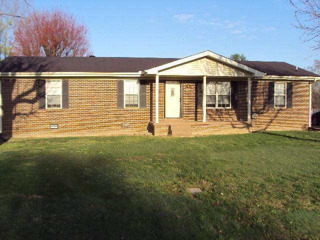 521 Swanee St, Lafayette, TN 37083 (MLS #RTC2242483) :: The Adams Group