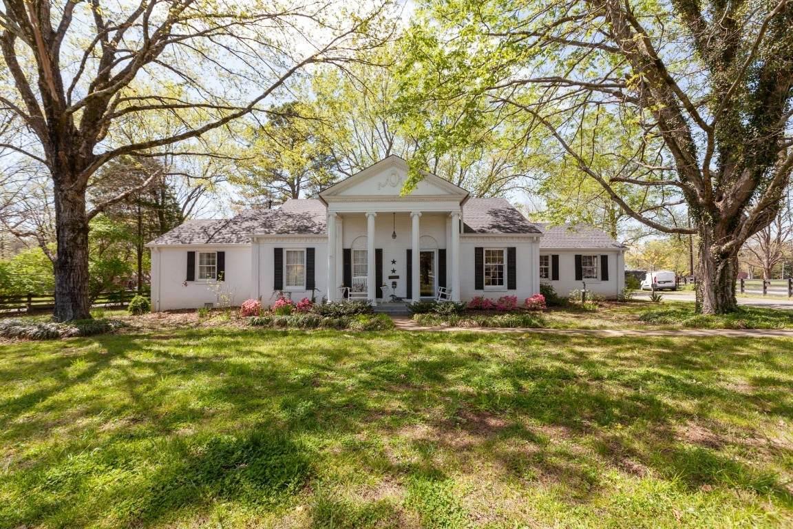 1815 Hillsboro Rd - Photo 1
