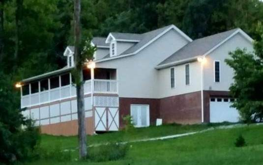 1328 Maddox Rd, Centerville, TN 37033 (MLS #RTC2245023) :: The Godfrey Group, LLC