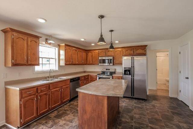 3904 Gaine Dr, Clarksville, TN 37040 (MLS #RTC2246148) :: Fridrich & Clark Realty, LLC