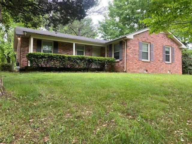 1256 Slayden Cir, Clarksville, TN 37040 (MLS #RTC2250539) :: Village Real Estate