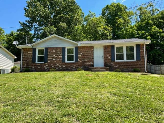 809 Benton Ct, Clarksville, TN 37042 (MLS #RTC2251681) :: Village Real Estate