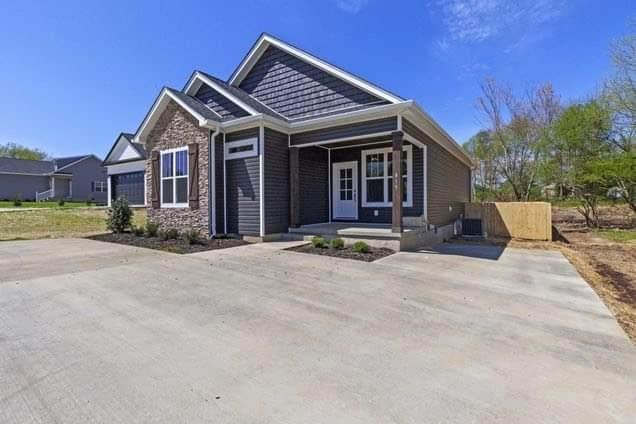 815 S Mountain St, Smithville, TN 37166 (MLS #RTC2253331) :: Randi Wilson with Clarksville.com Realty