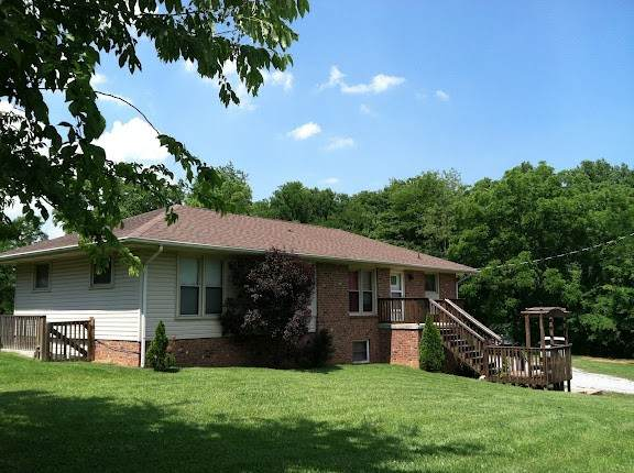 111 Ellis Ln A & B, Goodlettsville, TN 37072 (MLS #RTC2264587) :: The Kelton Group