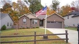 1889 Jackie Lorraine Dr, Clarksville, TN 37042 (MLS #RTC2264827) :: DeSelms Real Estate
