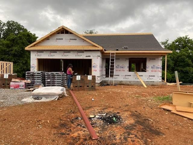 3 Irish Hills, Clarksville, TN 37042 (MLS #RTC2265272) :: Candice M. Van Bibber | RE/MAX Fine Homes