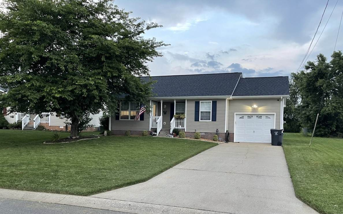 368 Pioneer Dr - Photo 1