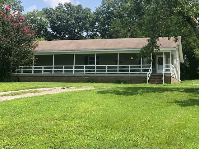 268 Hilltop Rd, Shelbyville, TN 37160 (MLS #RTC2276639) :: Oak Street Group