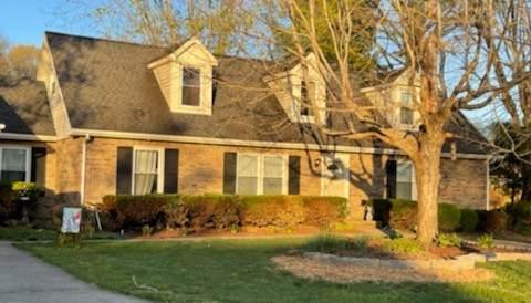 423 Fabian Pl, Clarksville, TN 37043 (MLS #RTC2288939) :: Nashville Roots