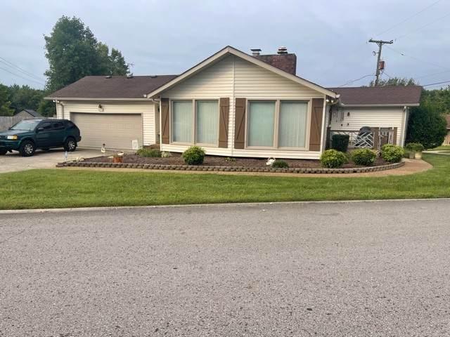 136 Camino Cir, Hendersonville, TN 37075 (MLS #RTC2292208) :: The Milam Group at Fridrich & Clark Realty