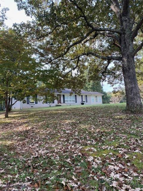 400 Belmont Rd, Clarksville, TN 37040 (MLS #RTC2301105) :: Movement Property Group
