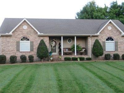 203 Pine Dr, Lafayette, TN 37083 (MLS #RTC2303034) :: Re/Max Fine Homes