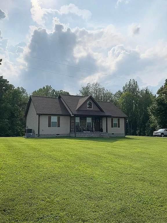 2191 Williams Rd, Lafayette, TN 37083 (MLS #RTC2303446) :: Village Real Estate